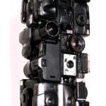 "Artwork named "" PARATOR "": Cybertrash totem sculpture by Rémy Tassou. 3/4 view."