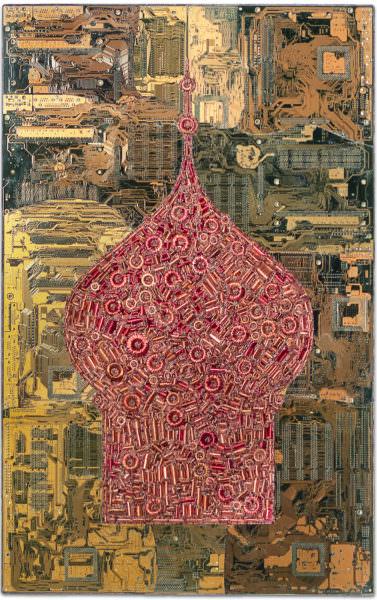 """Chargement de """"Odessa"""" : sculpture murale cybertrash de Rémy Tassou. Vue principale."""