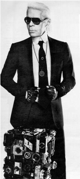 """Photo du magazine """"Grazia"""" de Karl Lagerfeld avec l'œuvre """"Clix de Luxe"""" achetée à Rémy Tassou (totem cybertrash)"""