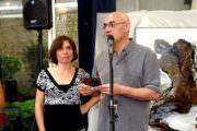 Photo de Tassou pendant son discours avec Sophie Herszkowicz