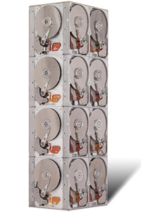 "Œuvre d'art du sculpteur Rémy tassou : totem cybertrash nommée ""Airlock"""