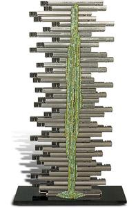 """Œuvre nommée """"FM"""""""": totem cybertrash de Rémy Tassou. (vue principale, vignette)"""